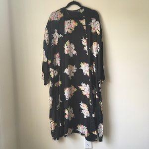 Zara Black Floral Kimono Size Medium